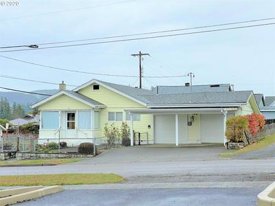 626 E 10TH ST, Coquille, OR 97423 - Photo 2