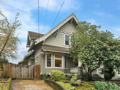 2940 SE WOODWARD ST, Portland, OR 97202 - Photo 1