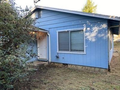 1290 N COLLIER ST, Coquille, OR 97423 - Photo 2