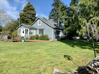 1030 W 8TH ST, COQUILLE, OR 97423 - Photo 1