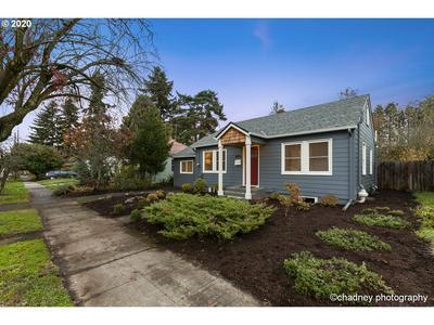 8252 N WAYLAND AVE, Portland, OR 97203 - Photo 1