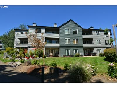 4980 S LANDING DR UNIT 203, Portland, OR 97239 - Photo 1