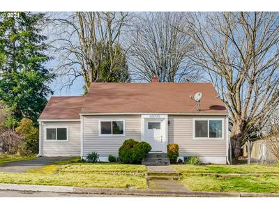 4805 NE 108TH AVE, Portland, OR 97220 - Photo 1