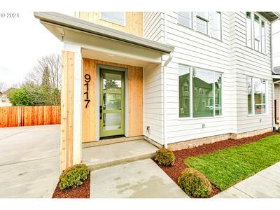 9117 N HUDSON ST, Portland, OR 97203 - Photo 2