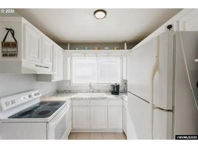 1505 MAPLE ST SW, Albany, OR 97321 - Photo 2