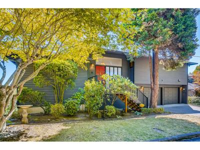 6530 SW VIEW POINT TER, Portland, OR 97239 - Photo 2