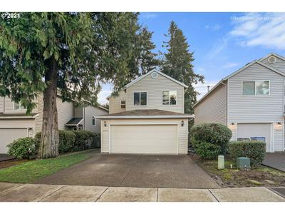 8058 SW CAROL ANN CT, Tigard, OR 97224 - Photo 2