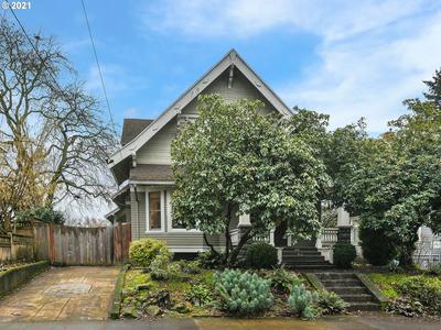 2940 SE WOODWARD ST, Portland, OR 97202 - Photo 2