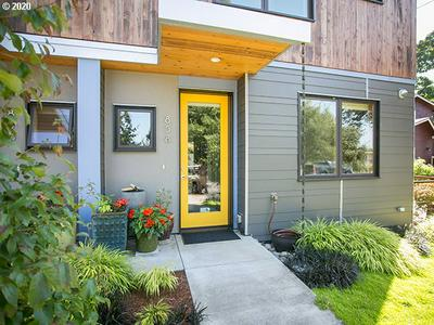 858 W 27TH AVE, Eugene, OR 97405 - Photo 2