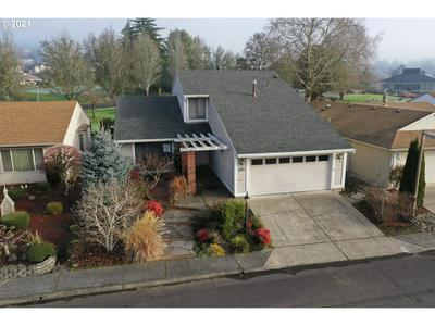 15760 SW HIGHLAND CT, Tigard, OR 97224 - Photo 2
