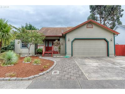 983 SEAGATE AVE, Coos Bay, OR 97420 - Photo 1