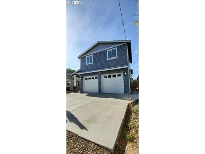 557 NE GARNER ST, Prineville, OR 97754 - Photo 2