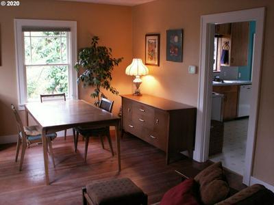 2346 FLORAL HILL DR, Eugene, OR 97403 - Photo 2