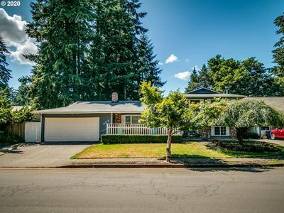 805 NE 195TH AVE, Portland, OR 97230 - Photo 2