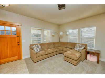 2061 SAWGRASS CT, Sutherlin, OR 97479 - Photo 2