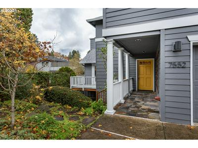 7552 S LAVIEW DR, Portland, OR 97219 - Photo 2