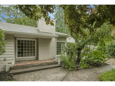 8240 SW RIDGEWAY DR, Portland, OR 97225 - Photo 2
