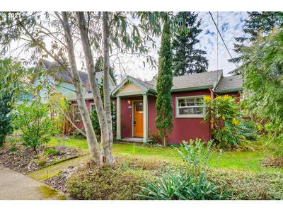 8305 N WAYLAND AVE, Portland, OR 97203 - Photo 2