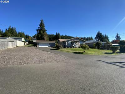 1340 N GOULD ST, Coquille, OR 97423 - Photo 2