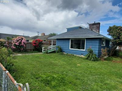 2121 BIRCH AVE, Reedsport, OR 97467 - Photo 2