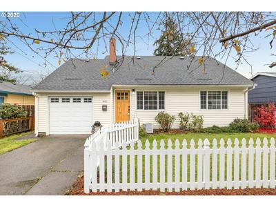 9923 N SYRACUSE ST, Portland, OR 97203 - Photo 1