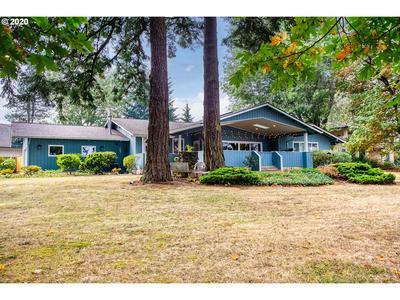 215 BELLEVUE AVE, Oregon City, OR 97045 - Photo 1