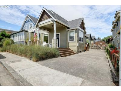 250 12TH AVE, Seaside, OR 97138 - Photo 1