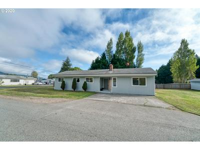 727 RANSOM AVE, Brookings, OR 97415 - Photo 1