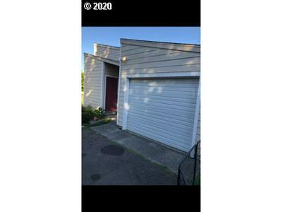 370 CHICAGO AVE SE, Bandon, OR 97411 - Photo 1