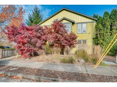 8119 N SYRACUSE ST, Portland, OR 97203 - Photo 1