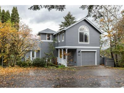 7552 S LAVIEW DR, Portland, OR 97219 - Photo 1