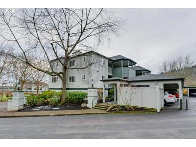 4980 S LANDING DR UNIT 201, Portland, OR 97239 - Photo 1