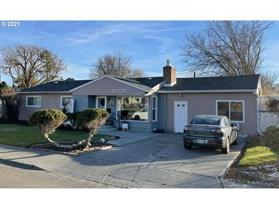 401 W HIGHLAND AVE, Hermiston, OR 97838 - Photo 1