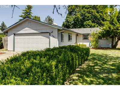 1365 RIGGS ST, Eugene, OR 97401 - Photo 1