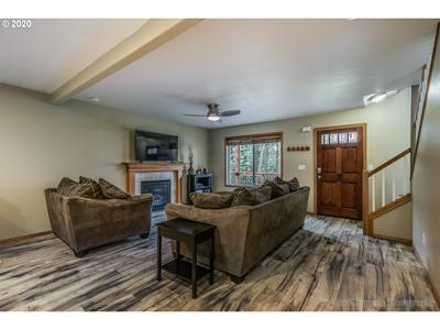 32927 NW VIEW TERRACE PL, Scappoose, OR 97056 - Photo 2