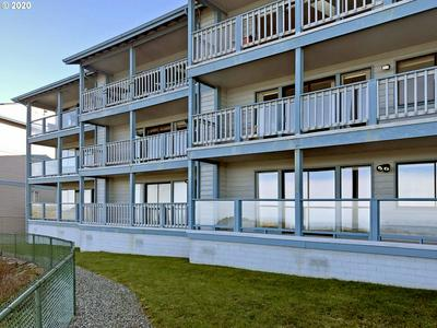 1305 MOORE ST UNIT 503, Brookings, OR 97415 - Photo 2