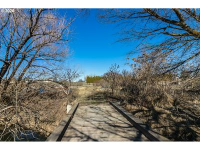 2802 RACQUET LN, Yakima, WA 98902 - Photo 1