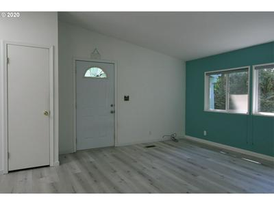 1600 RHODODENDRON DR SPC 150, Florence, OR 97439 - Photo 2