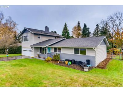 2615 SW VACUNA ST, Portland, OR 97219 - Photo 2