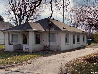 621 W CARROLL ST, Macomb, IL 61455 - Photo 1