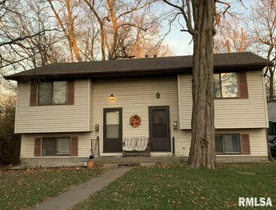 111 N HIGH ST, Washington, IL 61571 - Photo 2