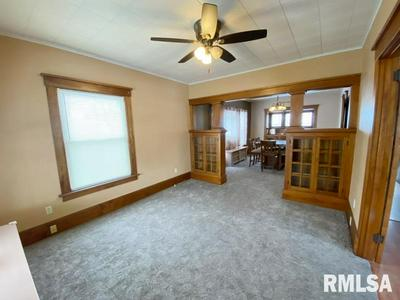 514 5TH ST, De Witt, IA 52742 - Photo 2