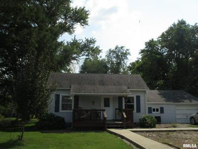 6206 MAIN ST, Benton, IL 62812 - Photo 2