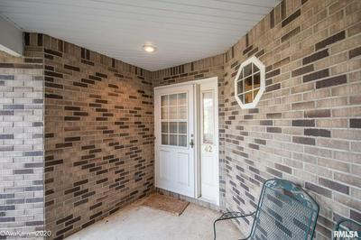 42 BROOKE CIR, Morton, IL 61550 - Photo 2