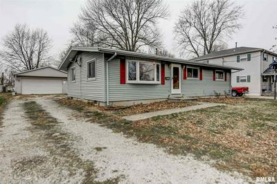 623 N LAWN AVE, Taylorville, IL 62568 - Photo 1