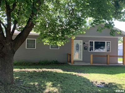 1610 LAKEVIEW TER, Jacksonville, IL 62650 - Photo 1