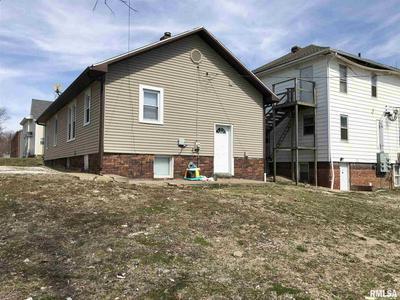 407 W ADAMS ST, Macomb, IL 61455 - Photo 2