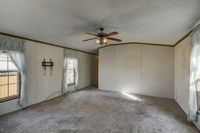 31 HILLCREST MOBILE HOME PARK, Taylorville, IL 62568 - Photo 2