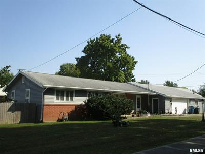 1110 N 8TH ST, Benton, IL 62812 - Photo 1
