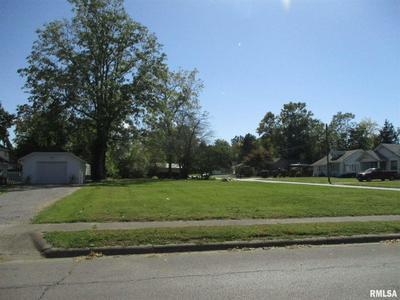 200 JOPLIN ST, Benton, IL 62812 - Photo 2